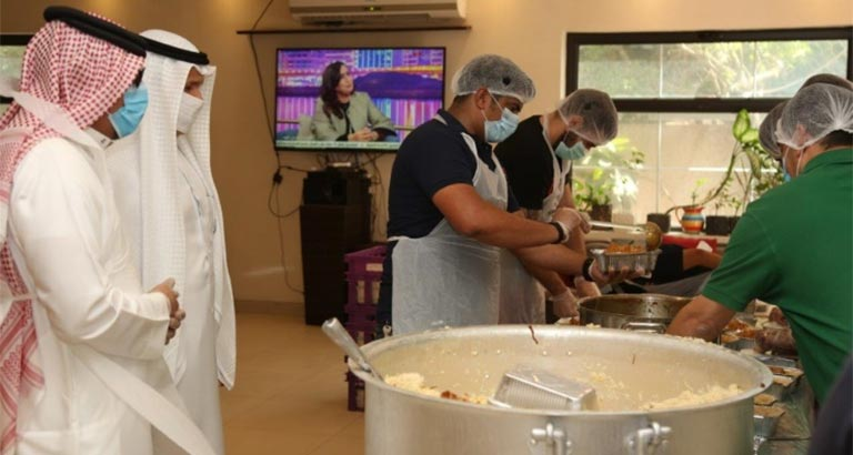 1100 meals distributed to expatriate workers in Capital Governorate