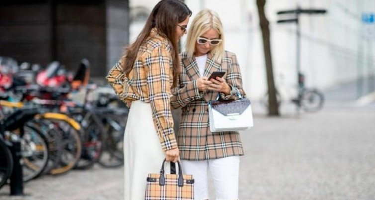 Burberry bans the use of fur and burning unsold stocks